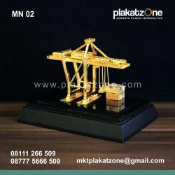 souvenir miniatur crane IPC elegan